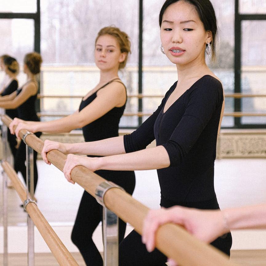 Balletforening Danmark - stangskole voksenballet